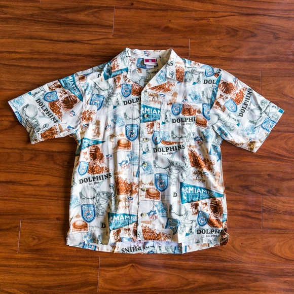 be2174716 Vintage NFL Miami Dolphins Pattern Button Up. M 5bd10a335c44521e9968e1c7